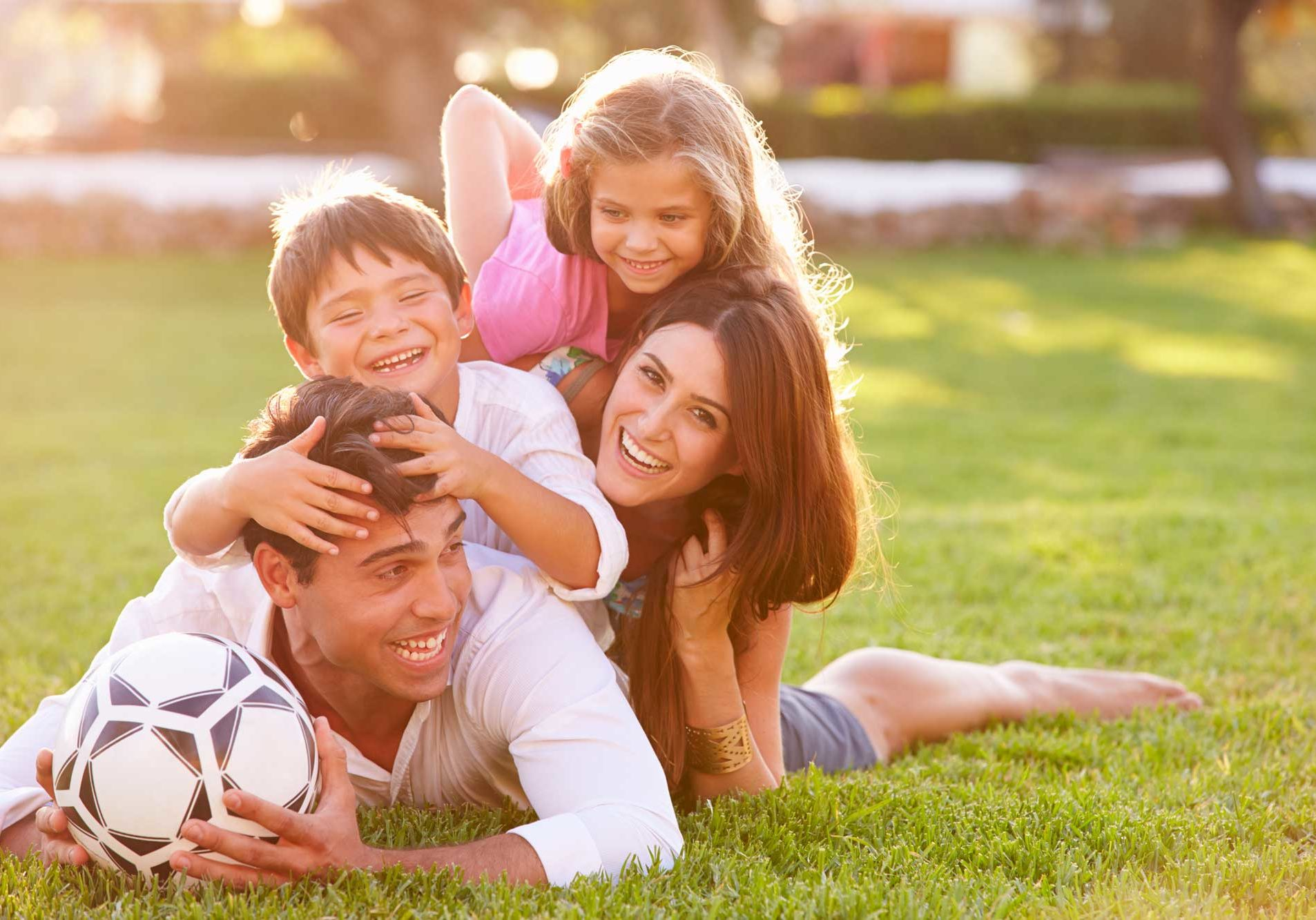 family-outdoors-1_ss_242759530